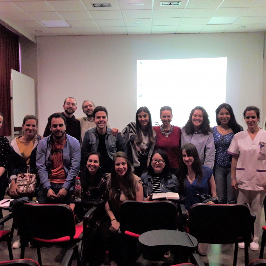 Foto del Grupo de estudiantes con parte del Equipo encabezado por D. Jos...